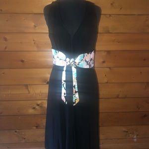 Black sleeveless dress multicolor belt